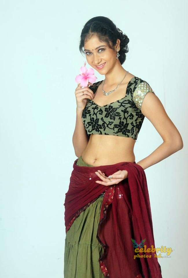Tollywood actress Sindhu-Affan hot photos (7)