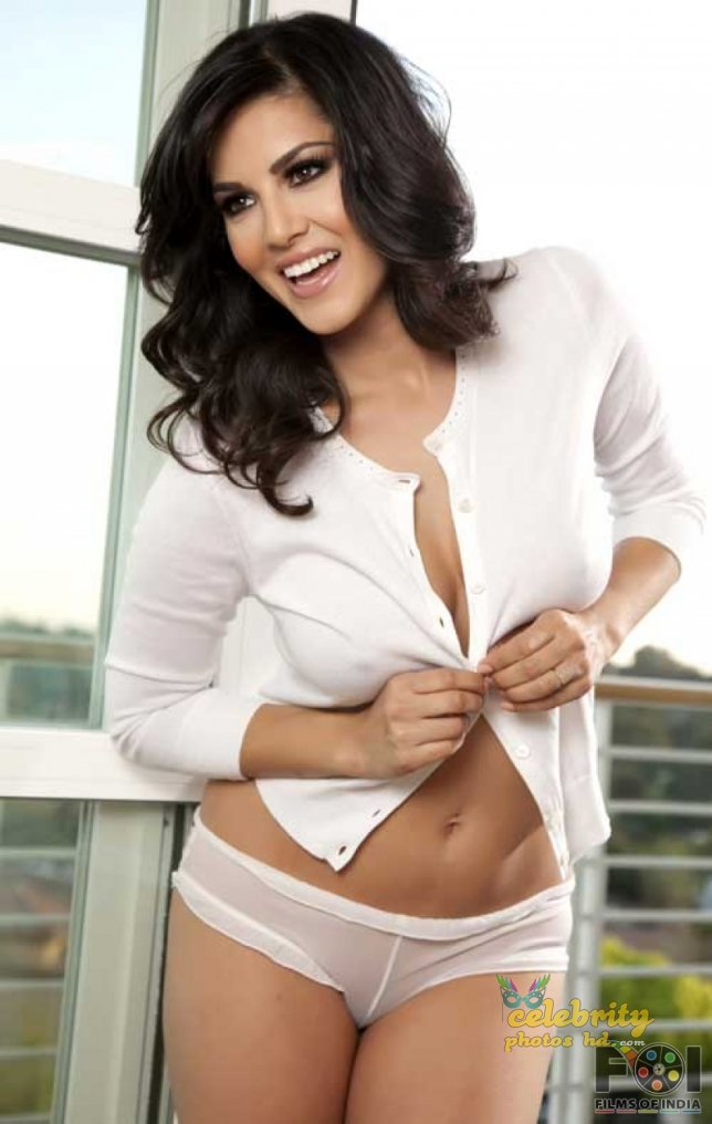 Bollywood Hottest Actress Sunny Leone (2)