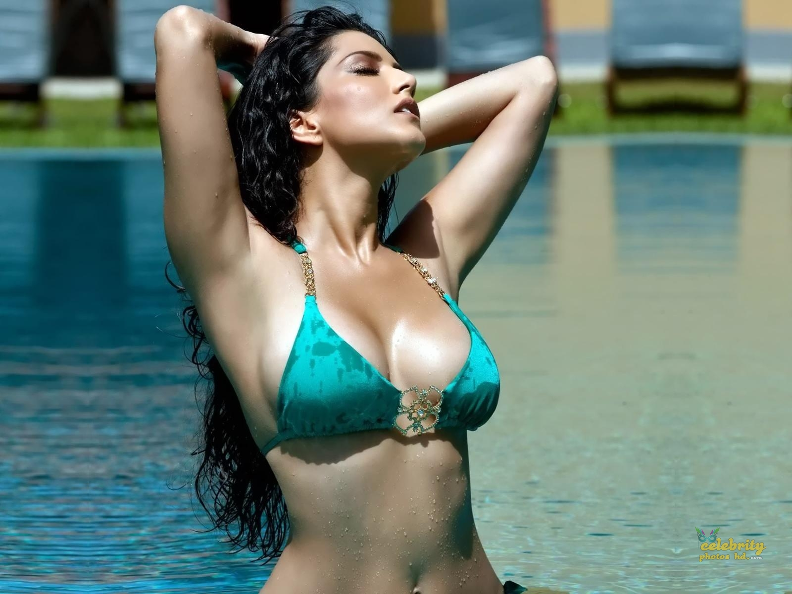Bollywood Hottest Actress Sunny Leone (7)