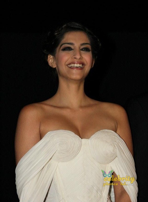 Bollywood Unseen Actress Sonam Kapoor (2)