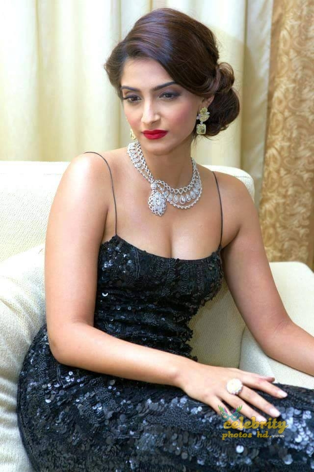 Bollywood Unseen Actress Sonam Kapoor (2)