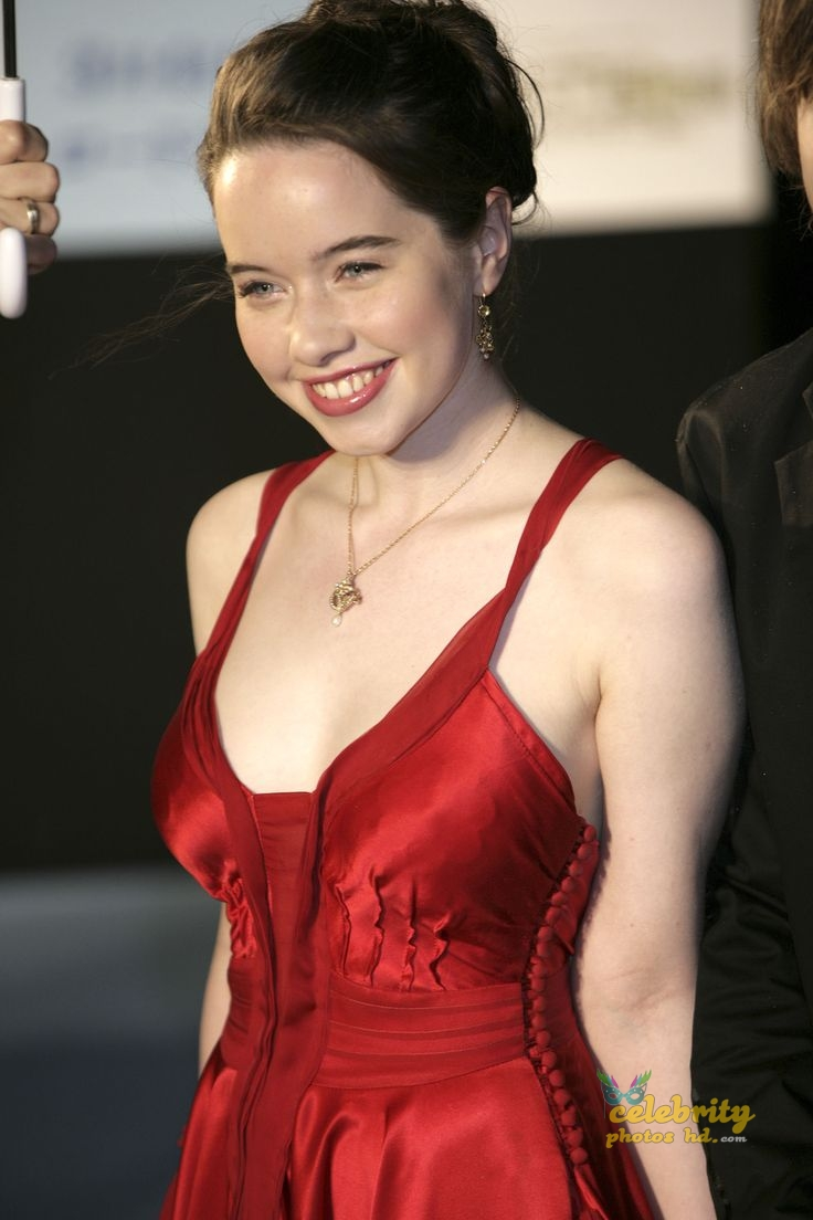 Hollywood Spicy Actress Anna Popplewell (1)