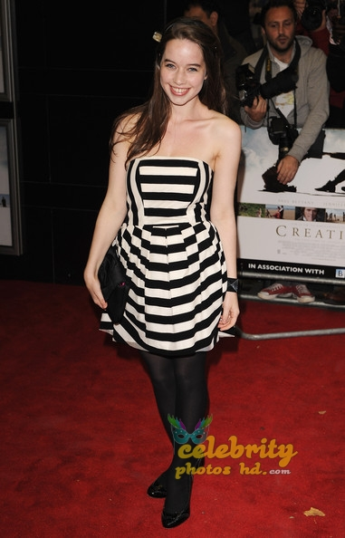 Hollywood Spicy Actress Anna Popplewell (3)