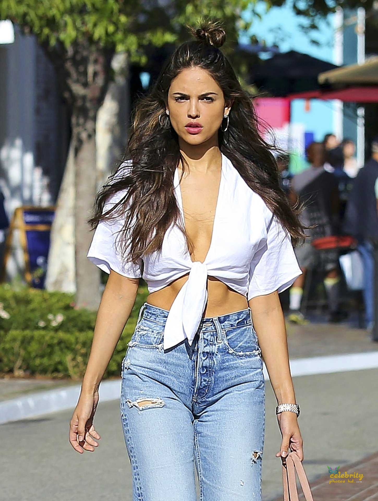 Hollywood Top Actress Eiza González New Photo (1)