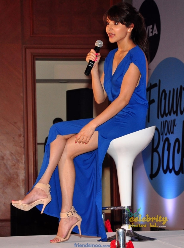 Hot Actress Anushka Sharma (3)