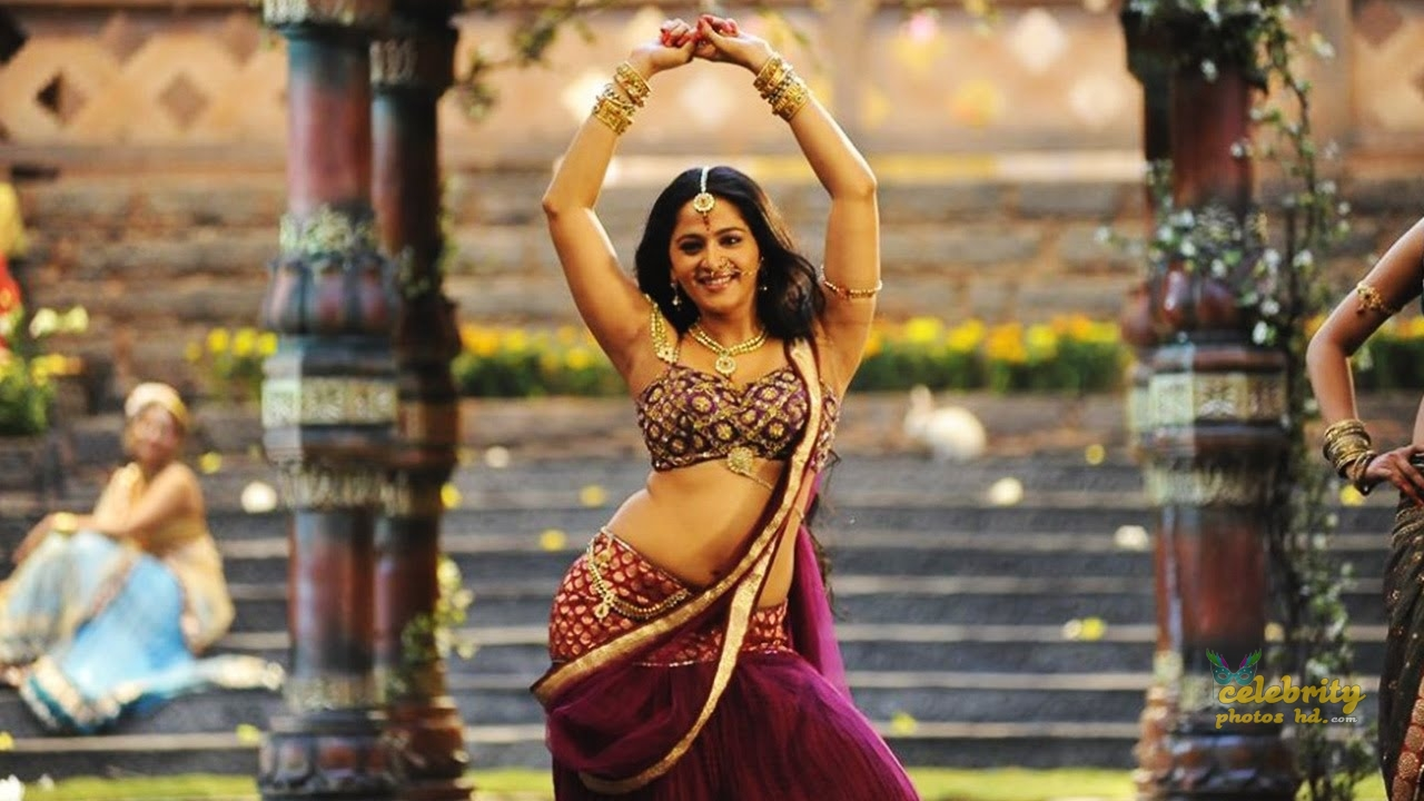 Hottes Actress Anushka Shetty (2)