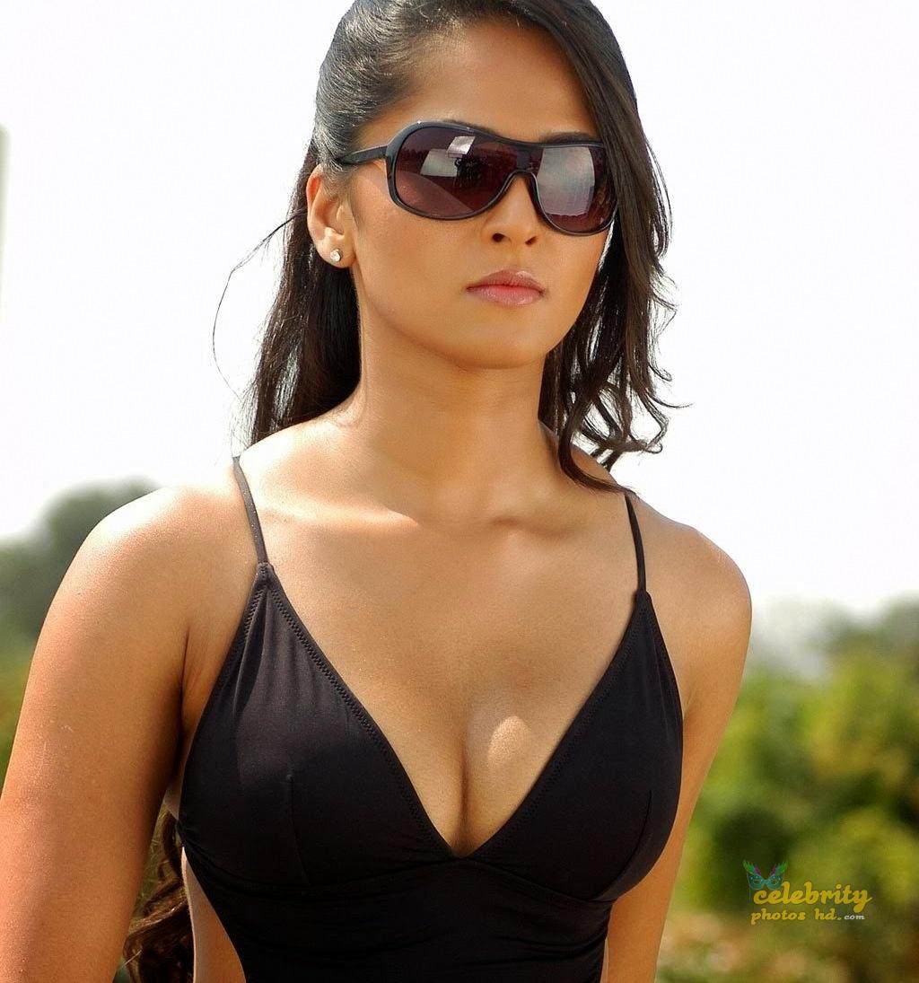 Hottest Actress Anushka Shetty (1)