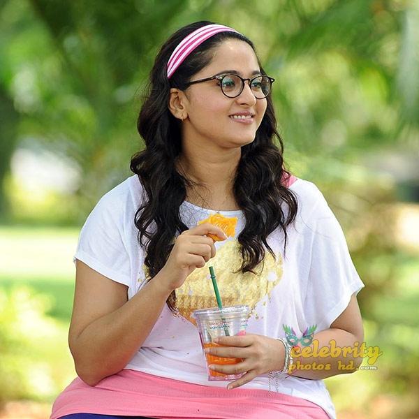 Hottest Actress Anushka Shetty (2)