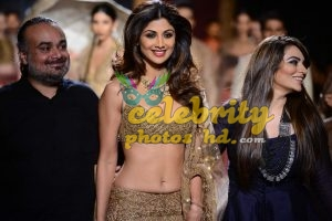 Indian Exclusive Hot Actress Shilpa Shetty Photo's (1)