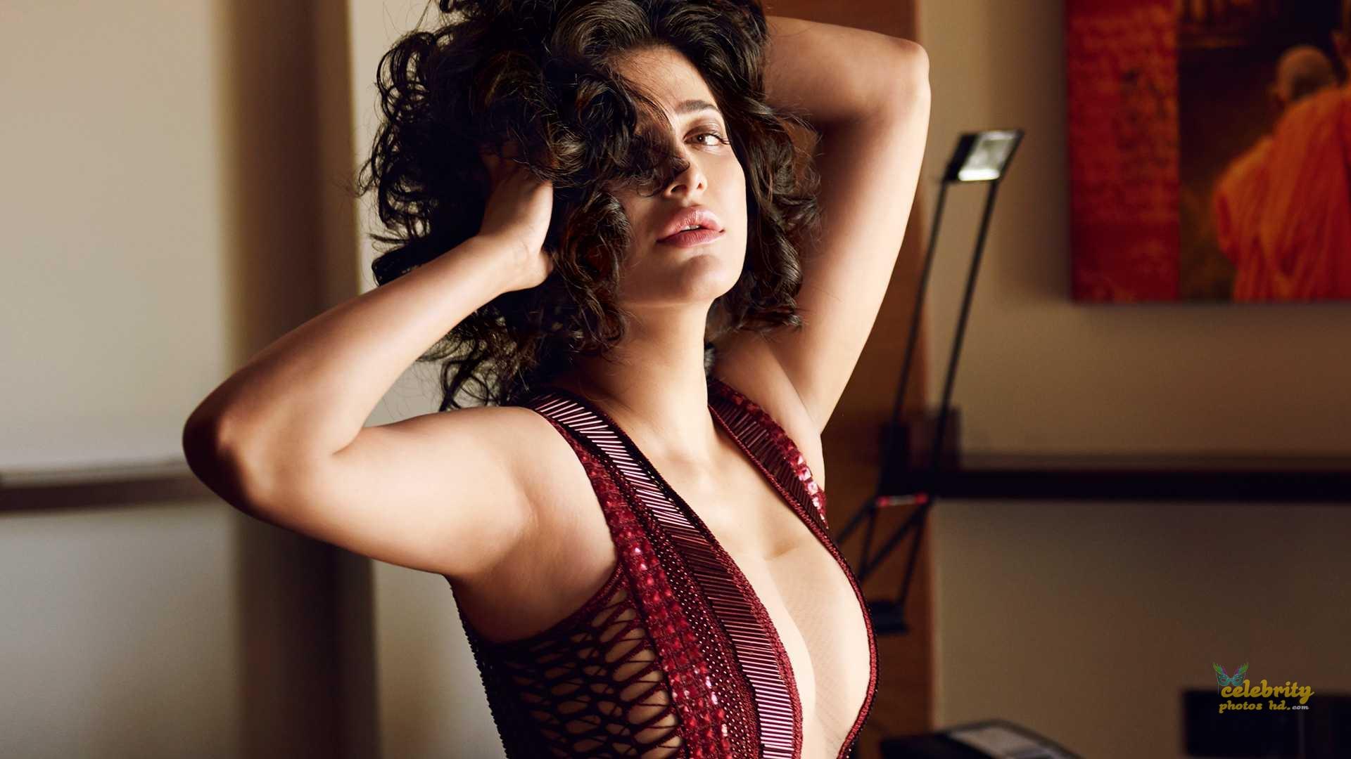 Indian Spicy Actress Shruti Haasan New Photo (1)