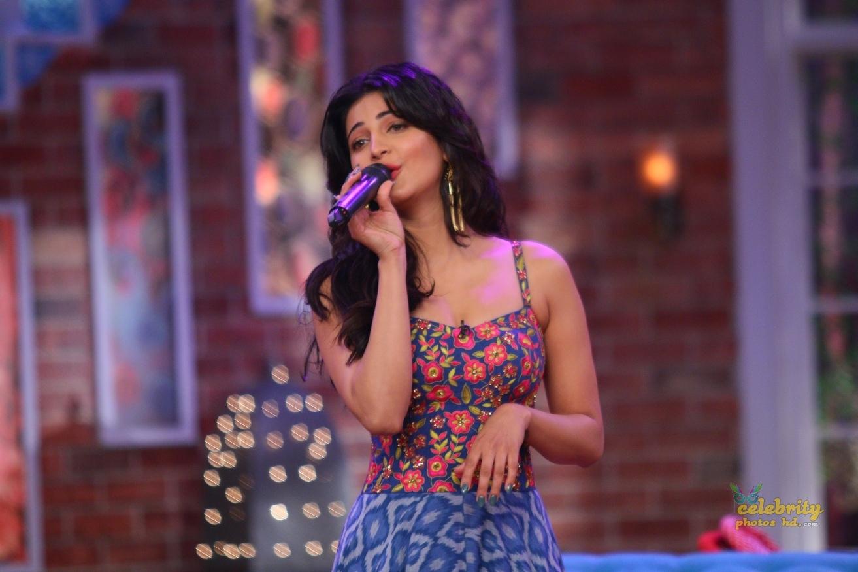 Indian Spicy Actress Shruti Haasan New Photo (3)