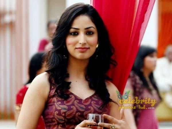 Indian Spicy Actress Yami Gautam (2)