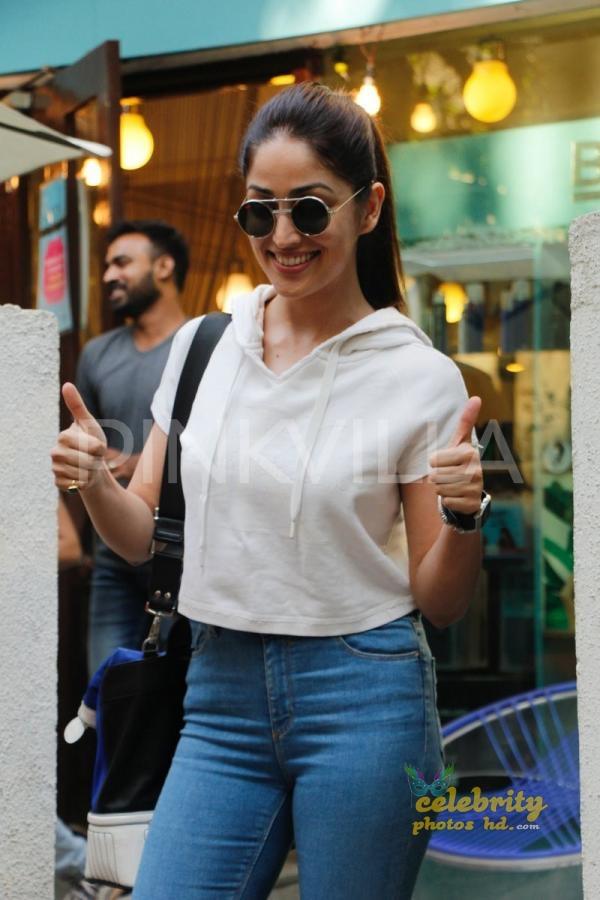 Indian Spicy Actress Yami Gautam (5)
