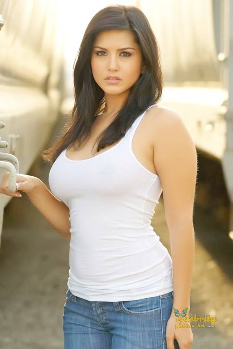 Indian Top Hot Actress Sunny Leone (2)