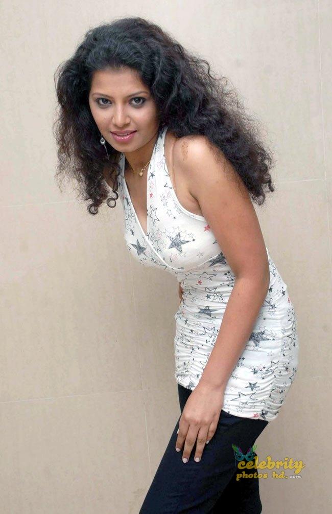 South Indian Hot Model Disha Poovaiah (4)
