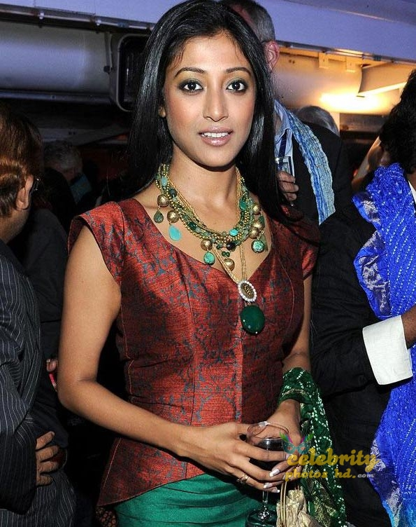 Super Hot Indian Actress Paoli Dam (3)