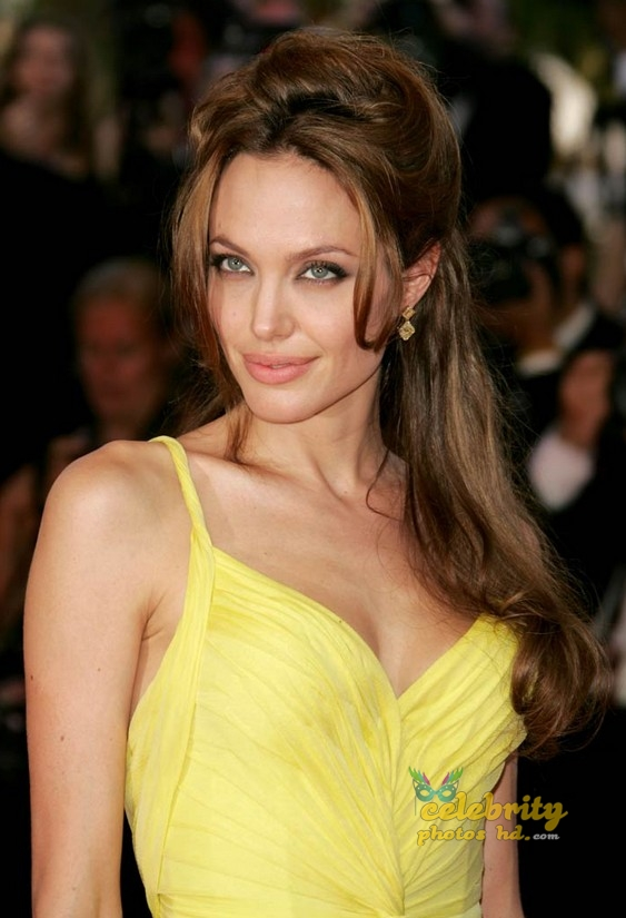 ANGELINA JOLIE Unseen Photo's (7)