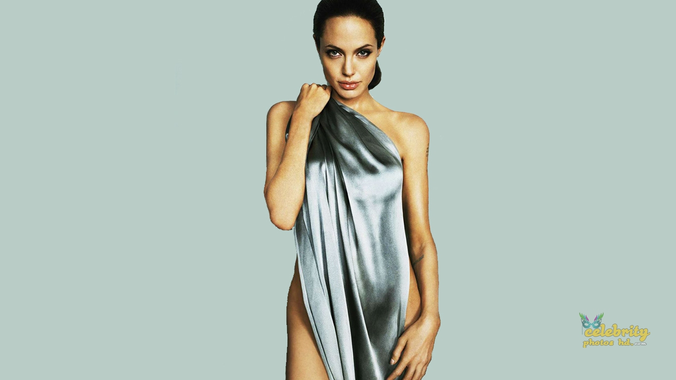 ANGELINA JOLIE Unseen Photo's (8)