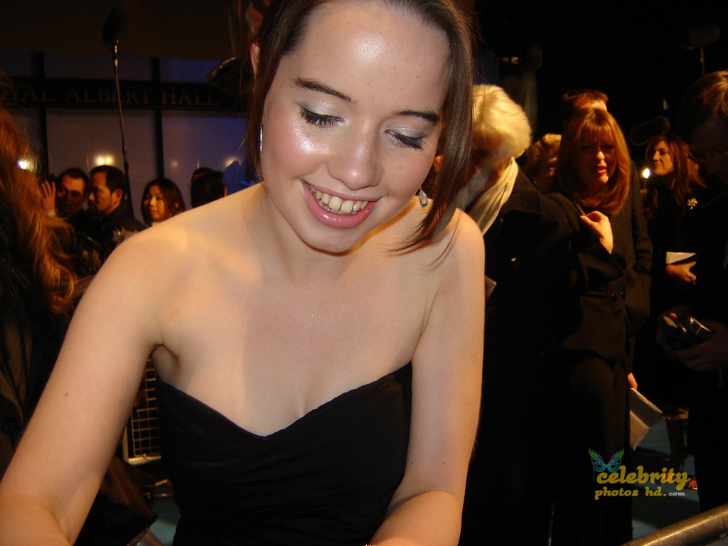 Anna Popplewell Photo of The Duchess UK Film Premiere (4)