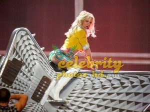 """Britney Spears Performing at """"Piece Of Me"""" Show in Las Vegas (1)"""