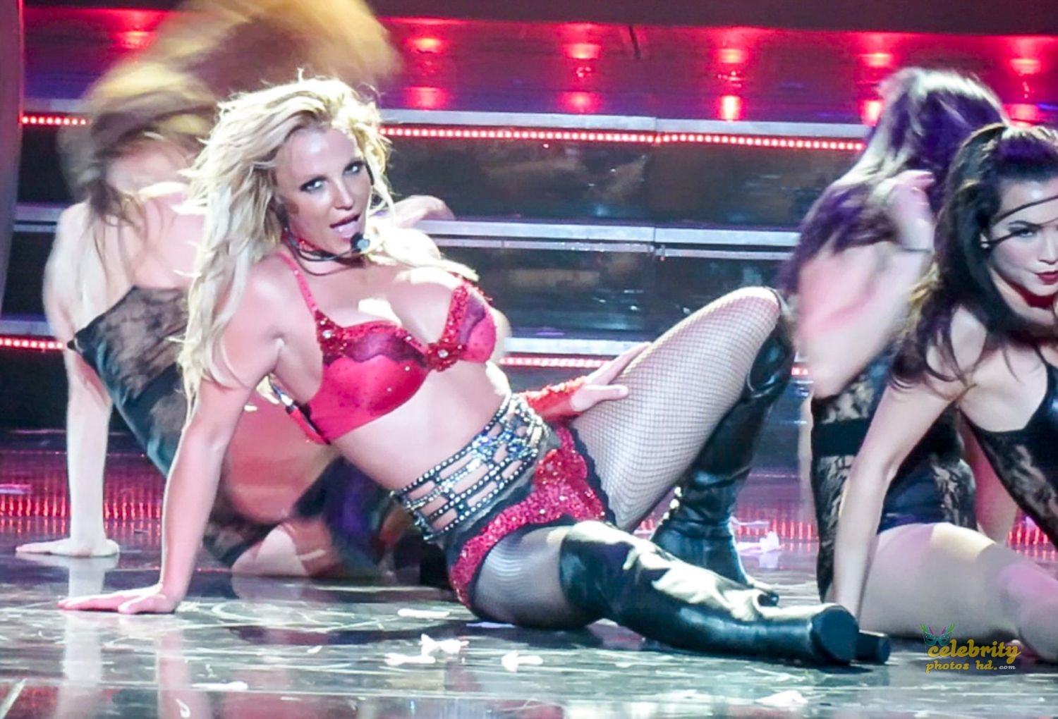 "Britney Spears Performing at ""Piece Of Me"" Show in Las Vegas (5)"