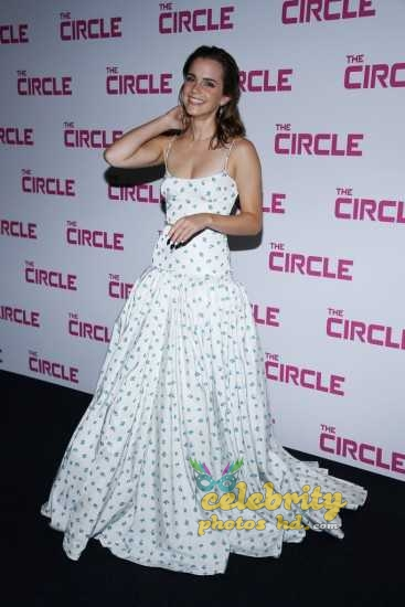 Emma Watson at the Premiere of The Circle in Paris (4)