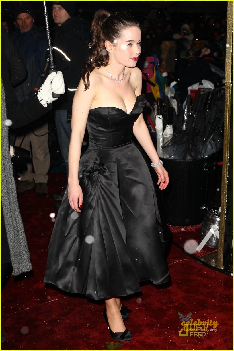 Hollywood Cute Actress ANNA POPPLEWELL (5)