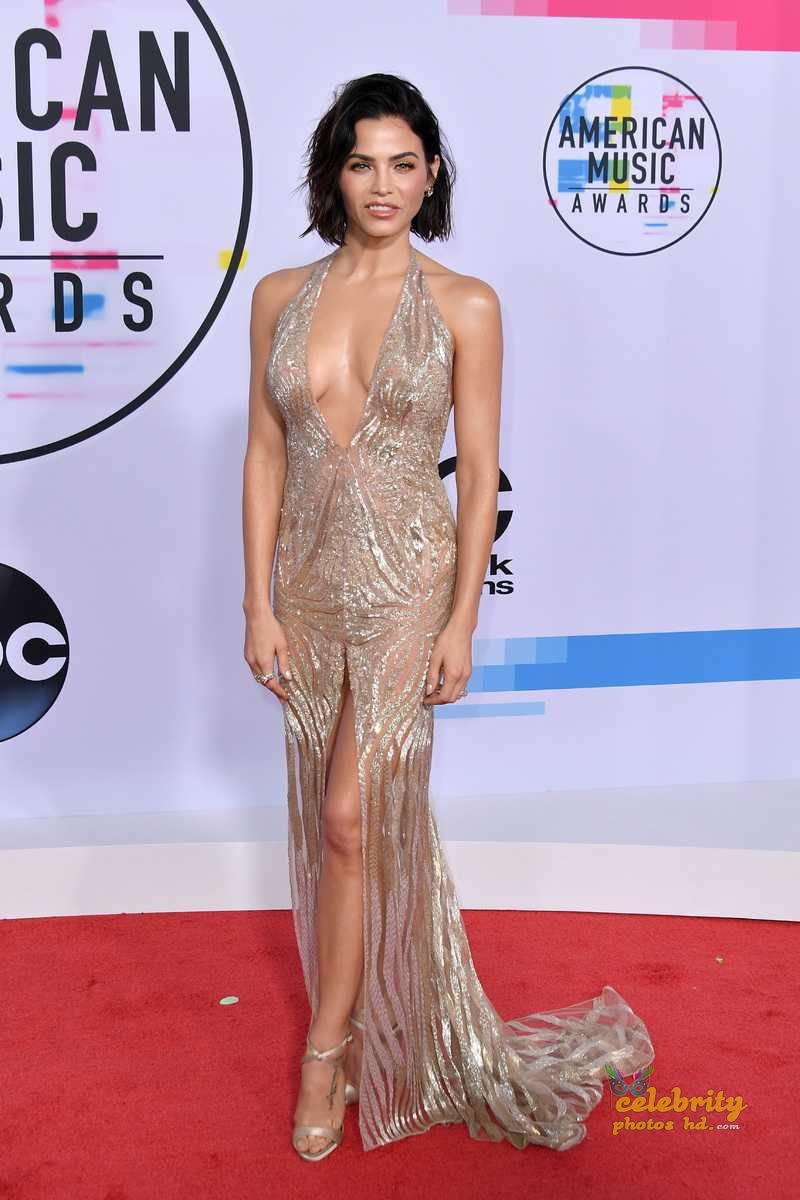Jenna Dewan-Tatum at 2017 American Music Awards in LA (2)