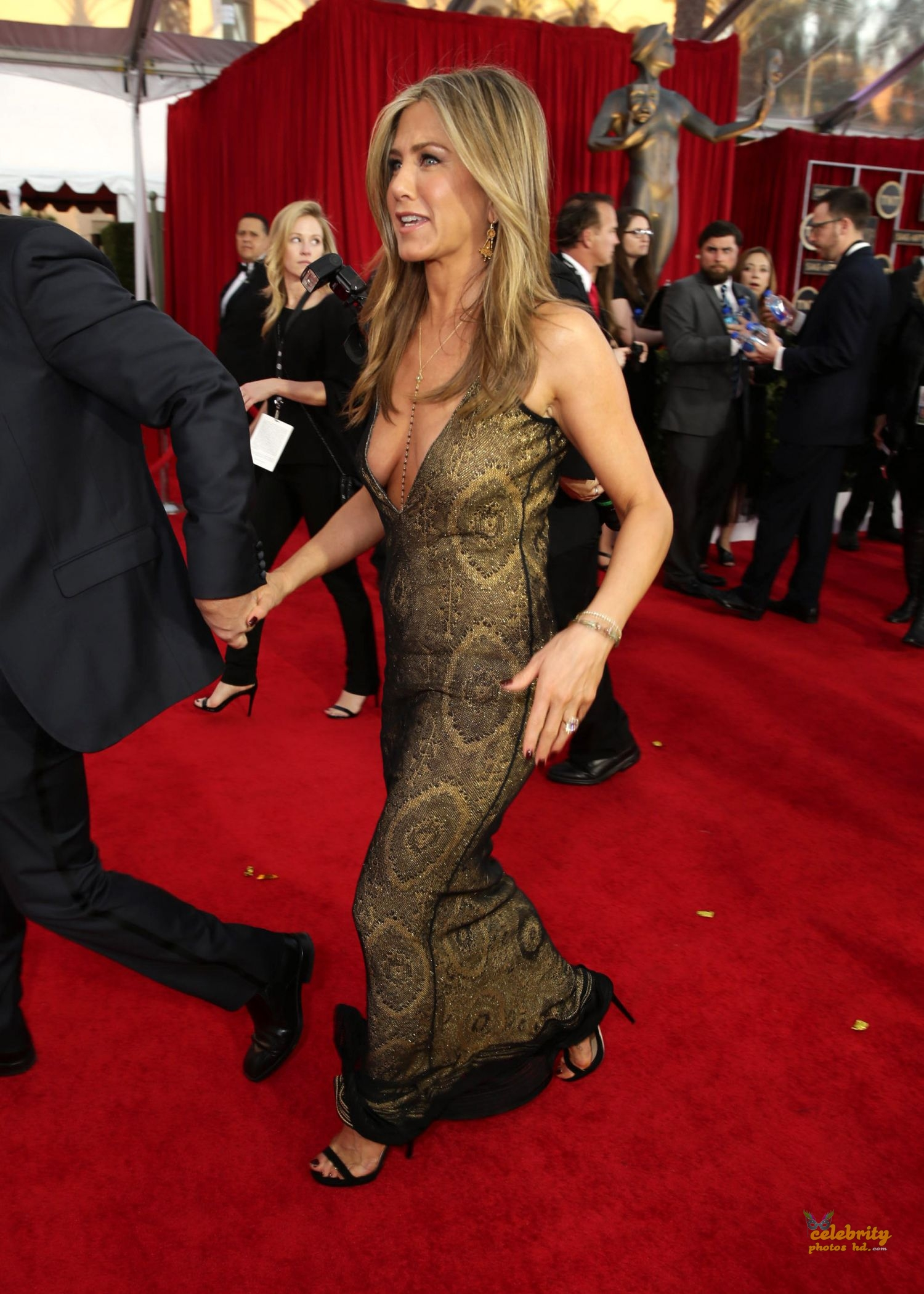 Jennifer Aniston at 21st Annual Screen Actors Guild Awards in LA (4)