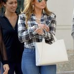 Jennifer Lopez Booty in Jeans Out in Miami Photo's