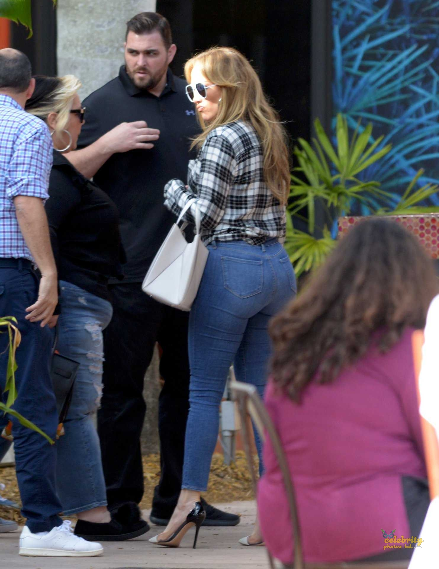 Jennifer Lopez Booty in Jeans Out in Miami (5)