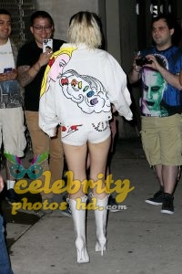 Miley Cyrus Leaving the Tonight Show with Jimmy Fallon in NYC (3)