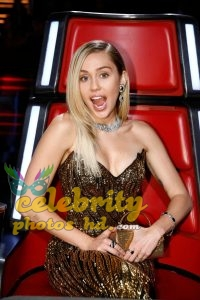Miley Cyrus Unseen Photos (1)