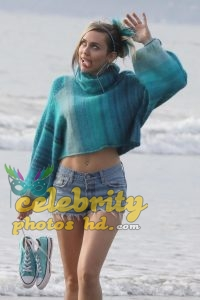Miley Cyrus Unseen Photos (4)