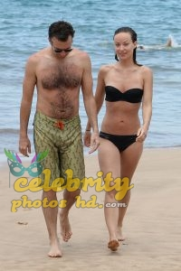 Olivia Wilde Bikini Pictures Kissing Jason Sudeikis Hawaii (4)