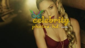 Shakira Loca Song Performance Photot's (1)