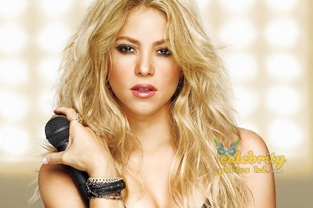 Shakira Loca Song Performance Photot's (4)