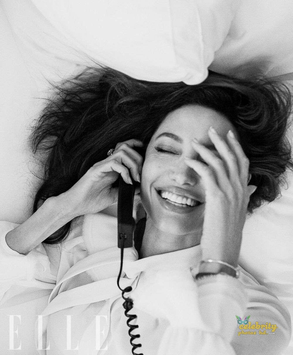 ANGELINA JOLIE in Elle Magazine Photo (4)