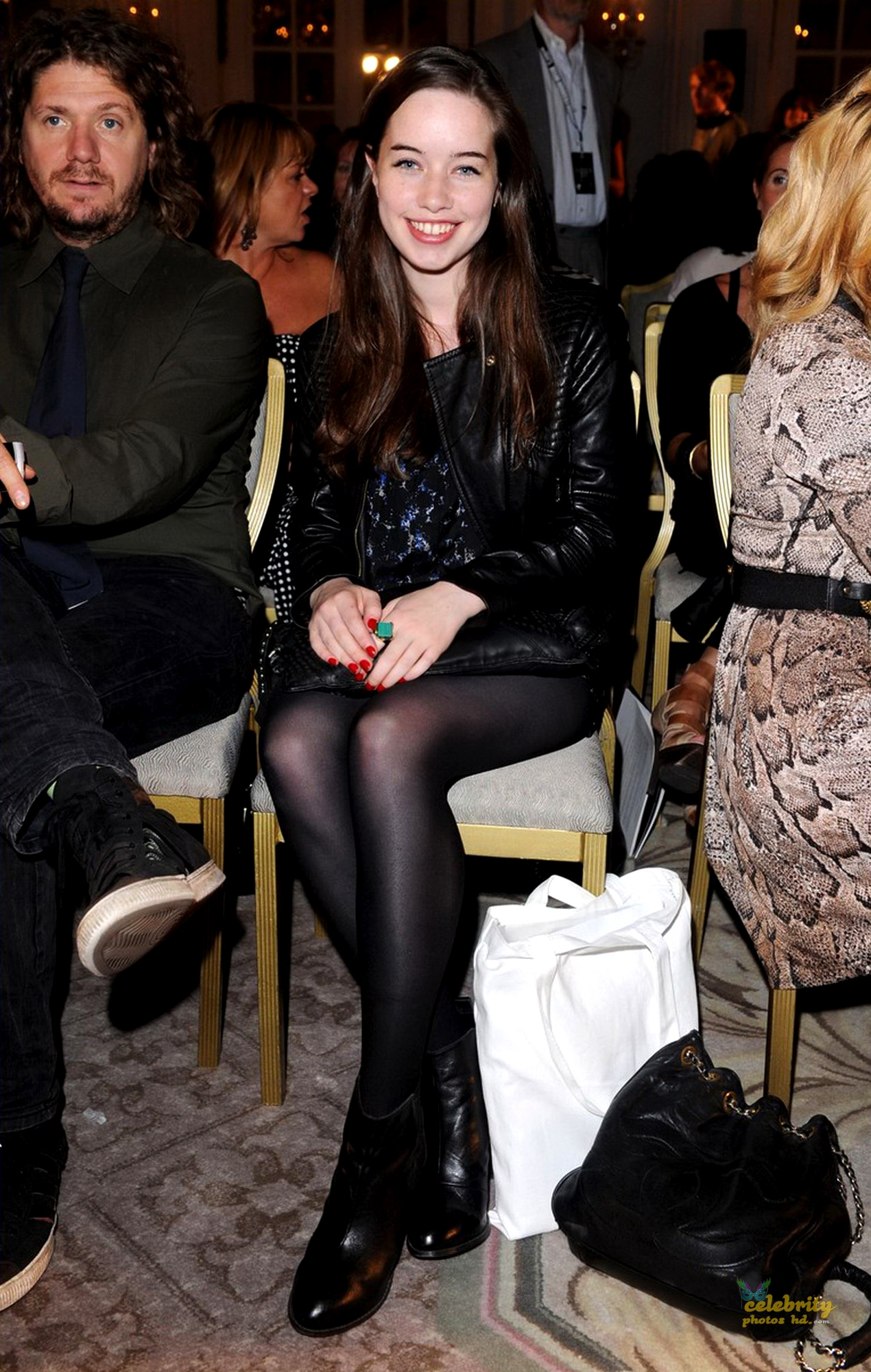 Anna Popplewell Unseen Photo's (4)