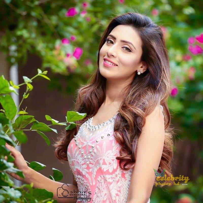 Bangladeshi Super Model Bidya Sinha Mim (1)