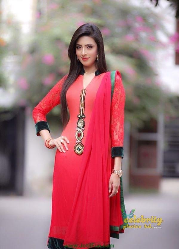 Bangladeshi Super Model Bidya Sinha Mim (5)