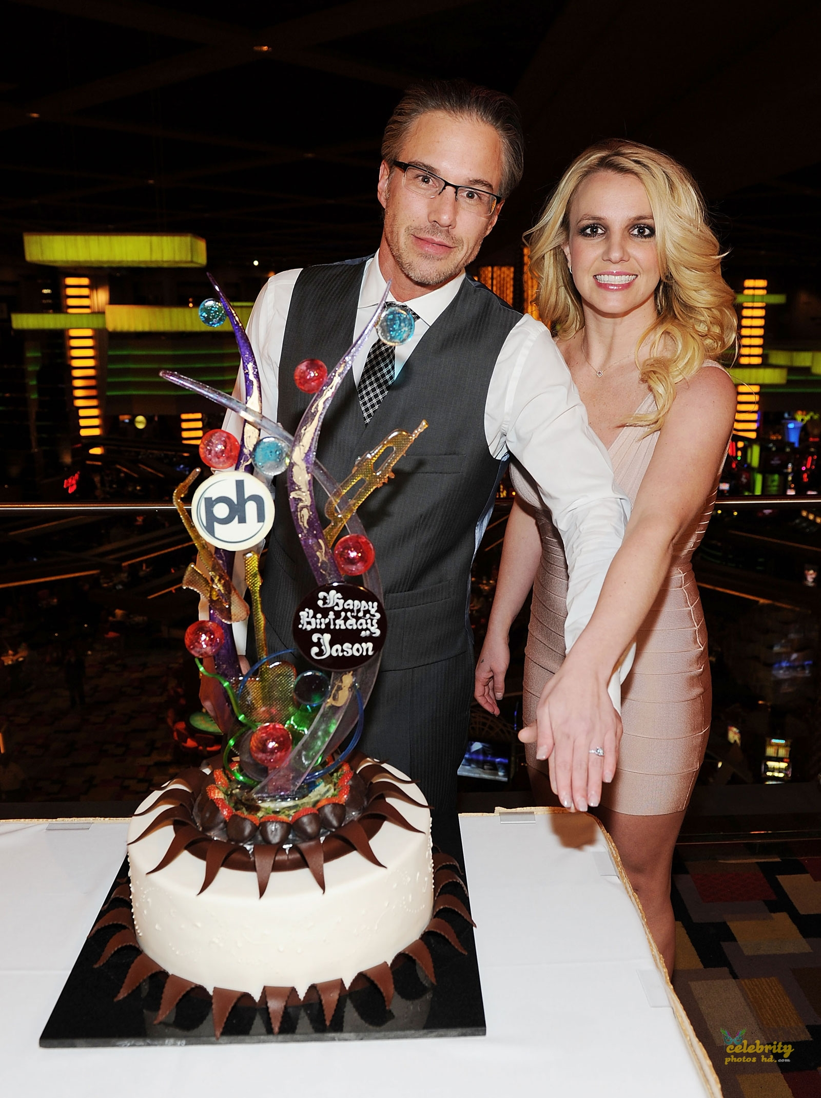 Britney Spears Celebrates Engagement at Planet Hollywood in Las Vegas(5)