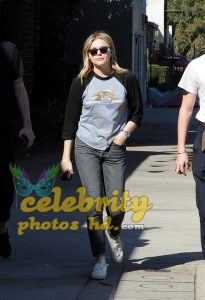 CHLOE MORETZ and Brookyln Beckham Out for Lunch in Studio City (1)