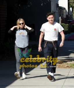 CHLOE MORETZ and Brookyln Beckham Out for Lunch in Studio City (2)