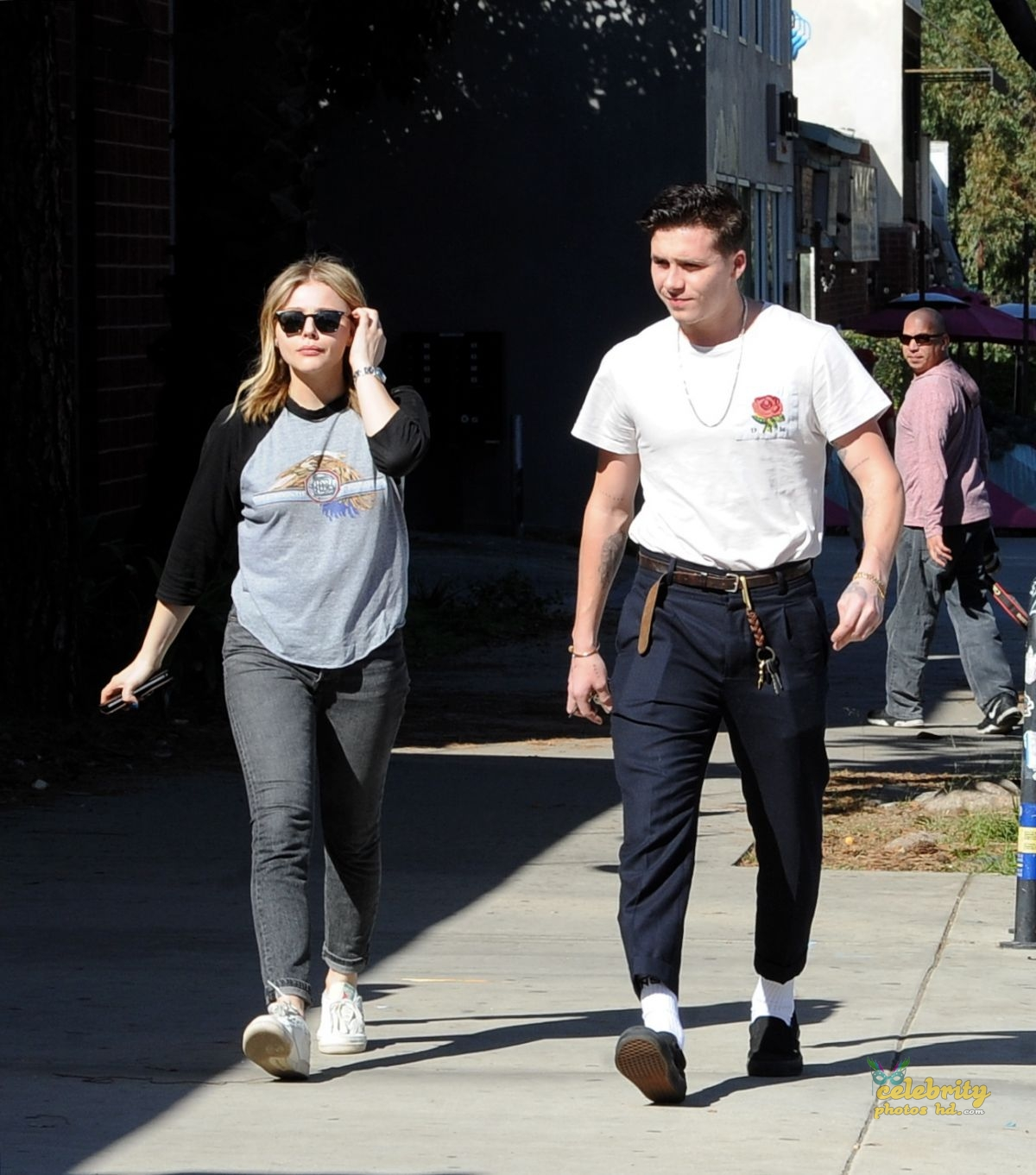 CHLOE MORETZ and Brookyln Beckham Out for Lunch in Studio City (3)