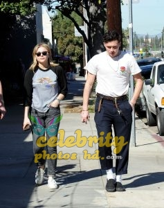 CHLOE MORETZ and Brookyln Beckham Out for Lunch in Studio City (6)