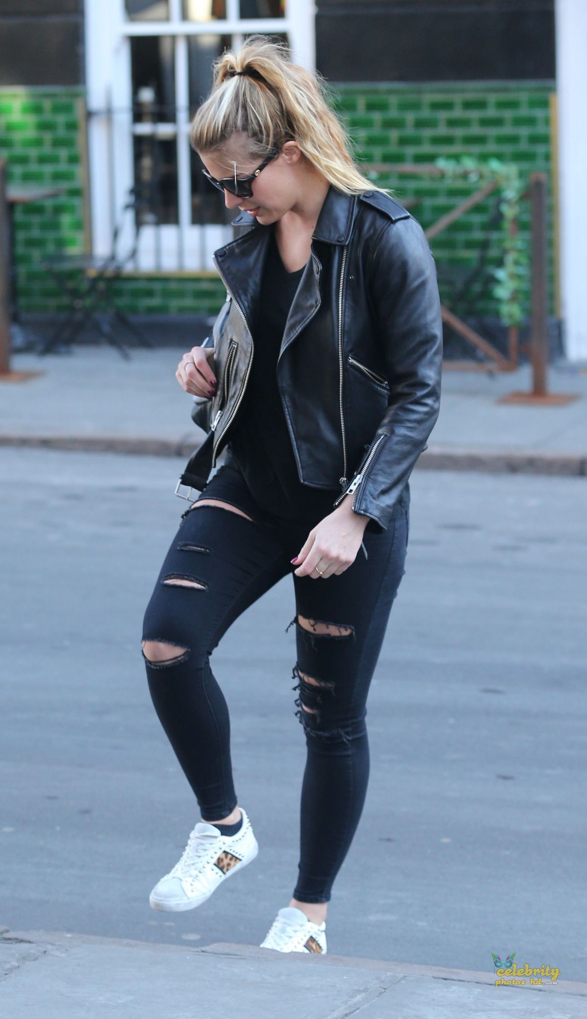GEMMA ATKINSON Out and About in Nottingham (5)