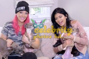 Jenna Marbles poses with partygoers at Ditch Fridaypg (3)