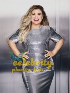 KELLY CLARKSON in Redbook Magazine Photoshoot (3)