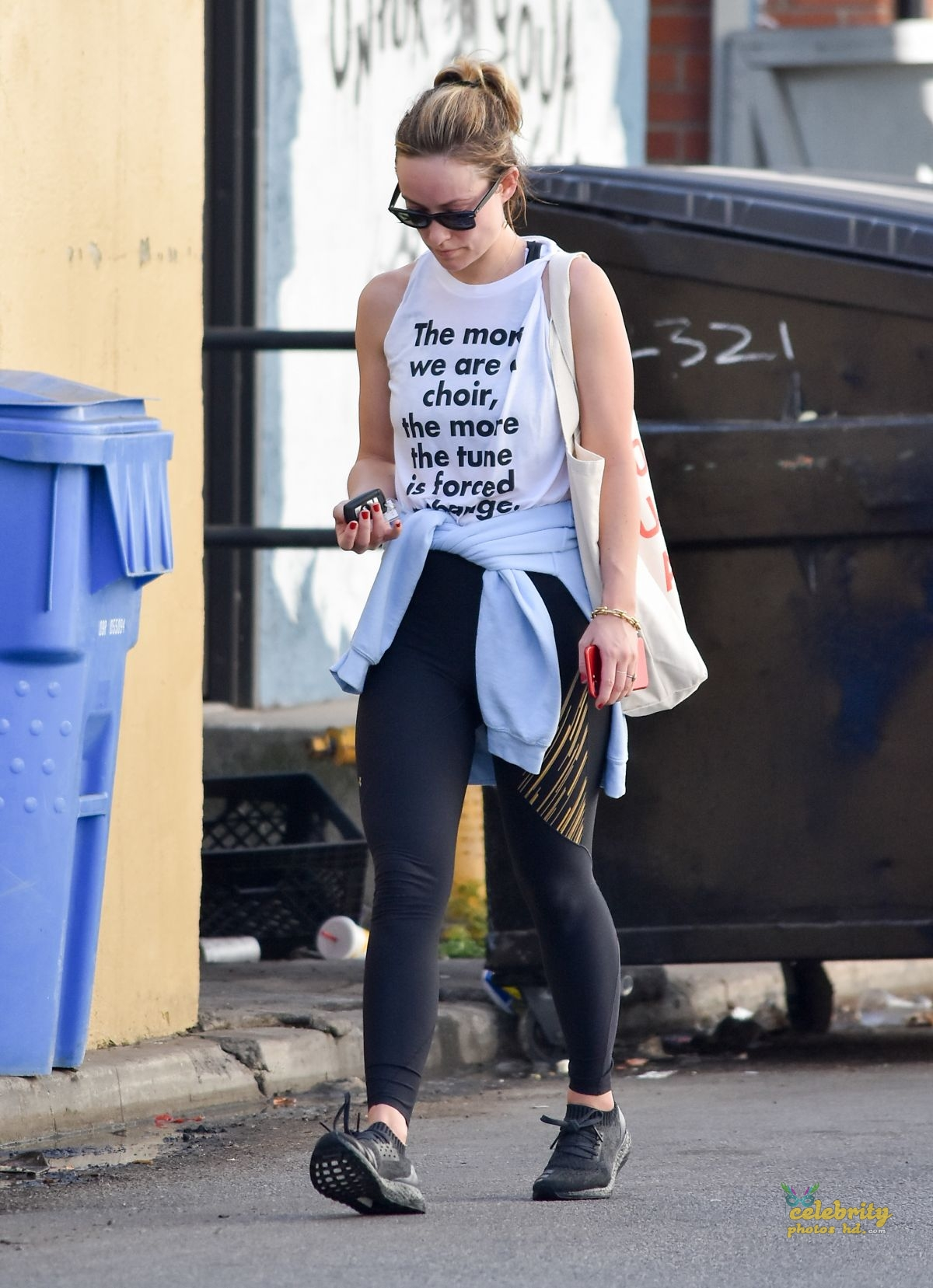 OLIVIA WILDE Heading to a Gym in Los Angeles (2)